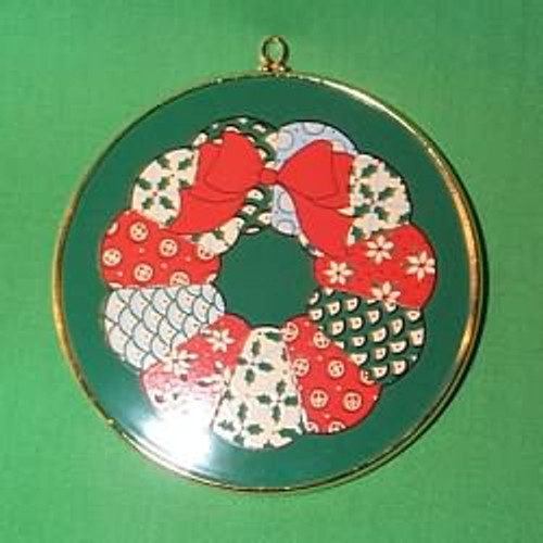 1983 Enameled Wreath - Crown Classics