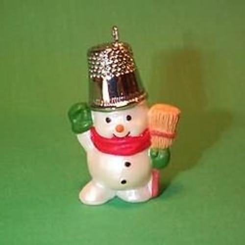 1988 Thimble #11 - Snowman