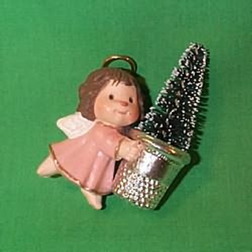 1981 Thimble #4 - Pink Angel