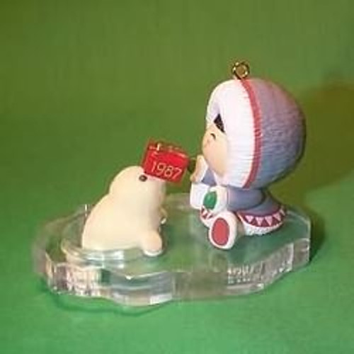 1987 Frosty Friends #8 - Seal With Gift