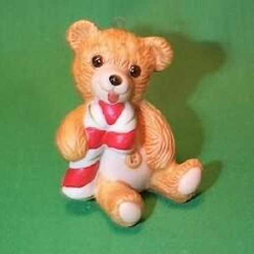 1985 Cinnamon Bear #3 - With Candy Cane