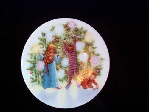 1987 Plate #1 - Light Shines At Christmas