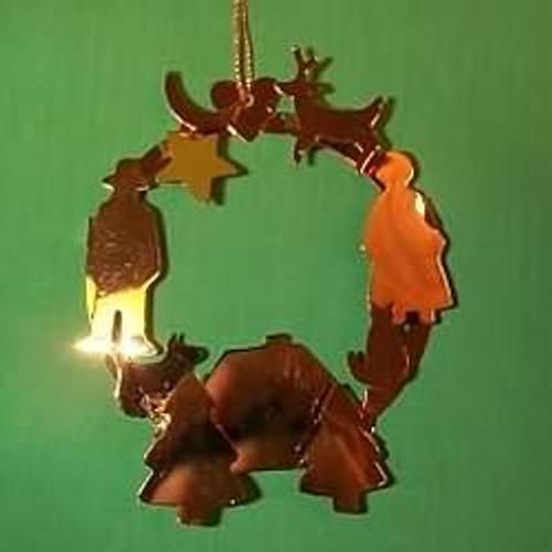 1988 Glowing Wreath