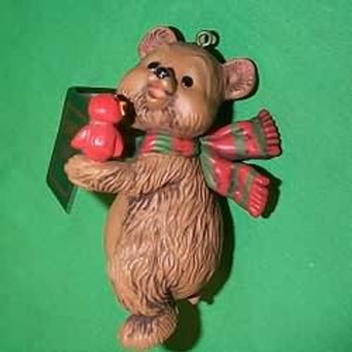 1980 Caroling Bear