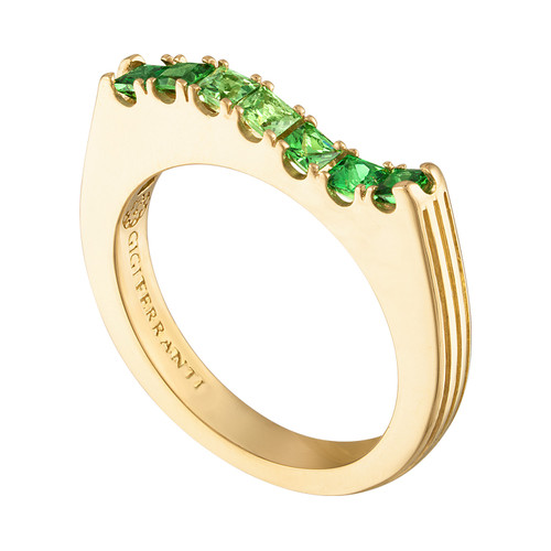 Portofino wave ring with green garnet color palette