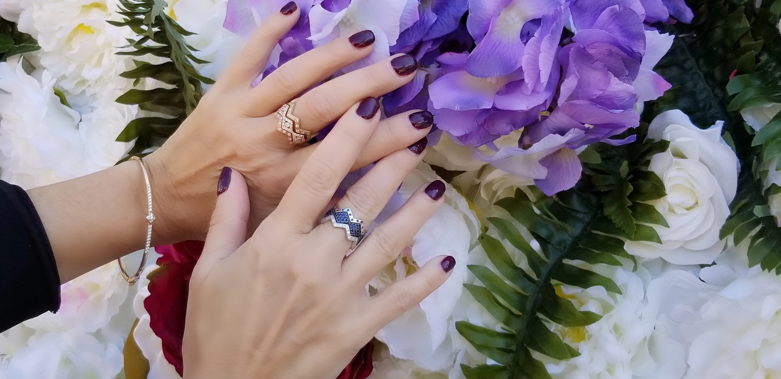 lucia-hands-with-flowers.jpg