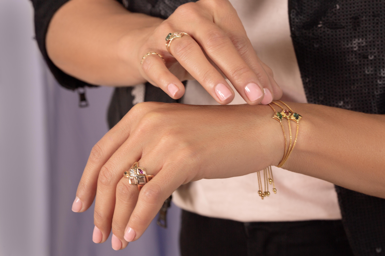 regalo-bracelets-images-model.jpg