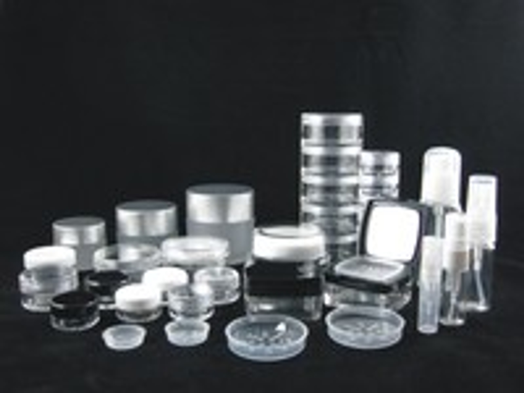 Cosmetic Jar Compatibility Selection & Why Beauty Containers Crack