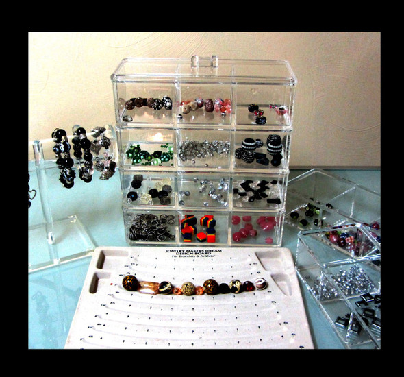 Acrylic Stackable 3-Compartment Organizer Storage w/ Lid • 5697