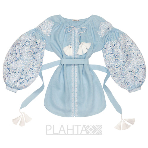"Blue cut-embroidered blouse ""Rose Bouquet"""