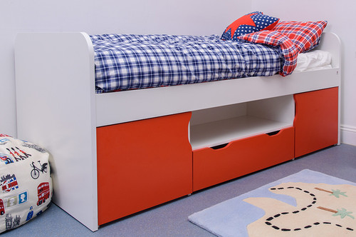 Treehouse Furniture Charterhouse Red Cabin Bed
