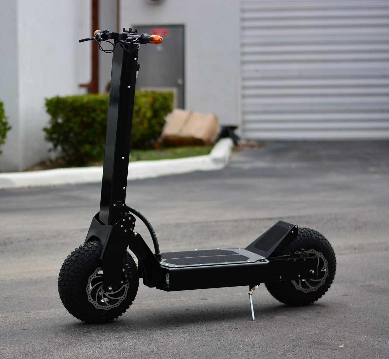 NEW! 2019 RECON 8000W 96v Electric Kick Scooter (Black) ****FREE SHIPPING USA****