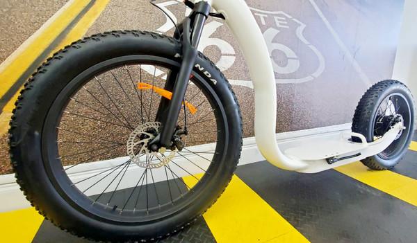 NEW! 2021 750W SOBOWO Electric Bike Fat Kick Bike (White)****FREE SHIPPING USA****