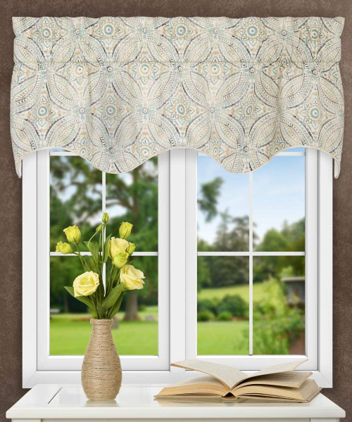 Blissfulness Lined Scallop Valance in Spa