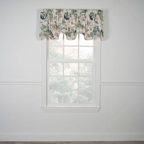 Brissac Lined  Scallop Valance in Blue