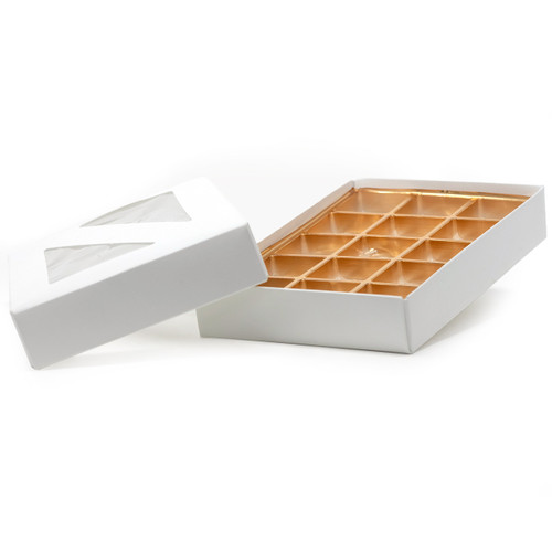 Candy box holds 15 pieces