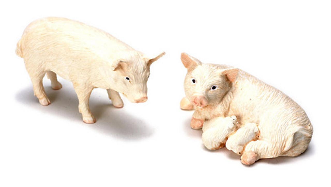Dollhouse City - Dollhouse Miniatures Pig Family Set