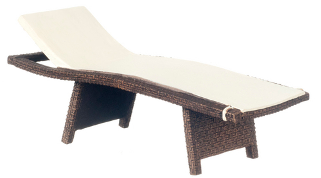 Wicker Chaise