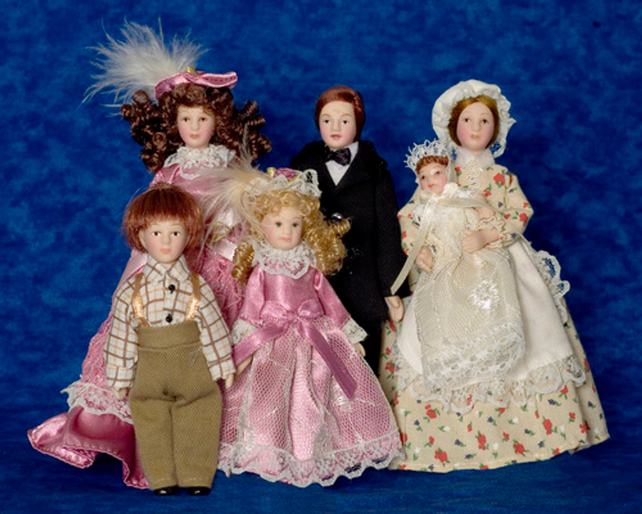 Victorian Family with Maid Set