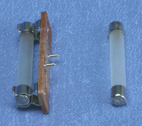 Pin-In Floor Exit - Bulbs