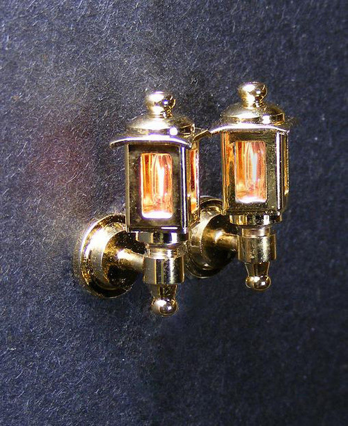 Dollhouse City - Dollhouse Miniatures Brass Colonial Coach Lamp