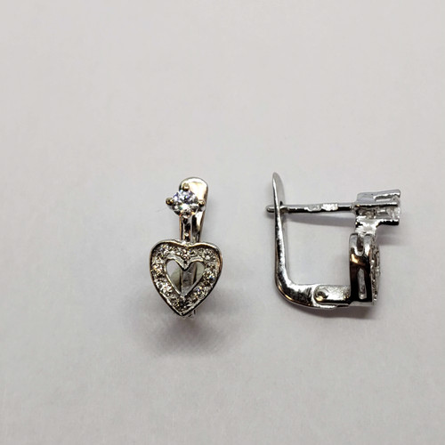19.2k white gold CZ heart earrings
