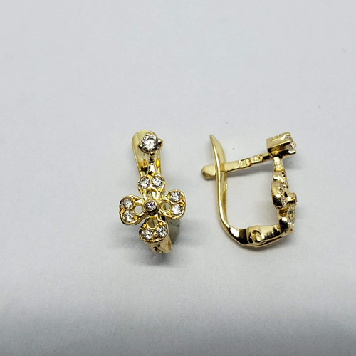 19.2k yellow gold clover CZ earrings