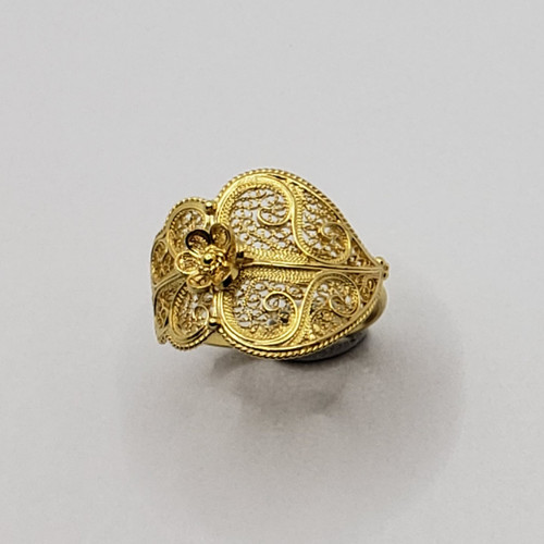 19.2k Portuguese Gold Filigree Heart Ring Horizontal 3.9gr