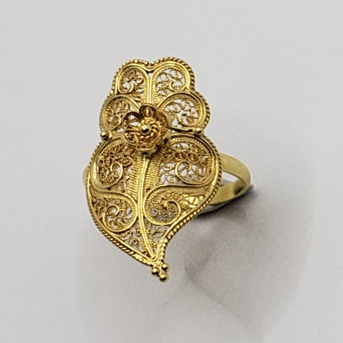 19.2k Portuguese Gold Filigree Heart Ring Vertical  3.8gr