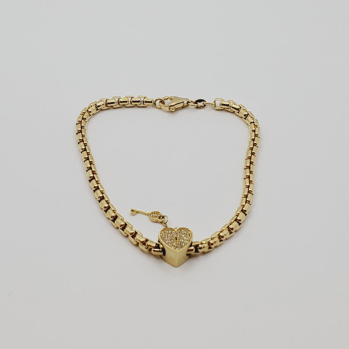 18k yellow gold charm bracelet with white double sided cz Key to my Heart 8.5gr