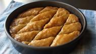 Homemade Pistachio Walnut Baklava