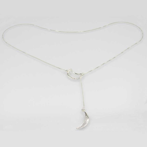 Corrente com pingente em prata 925 com banho de ródio liso gravata lua