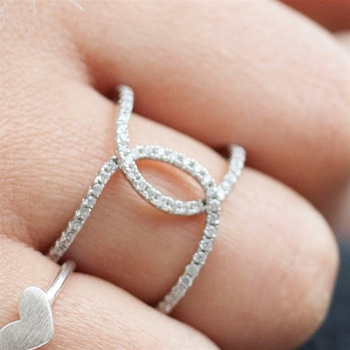 Anniversary Kiss Ring in Silver