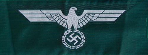 Heer Breast Eagle - Bevo -White on Dark Green