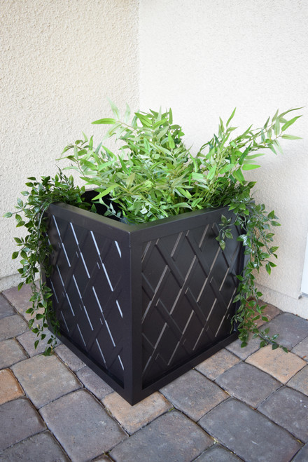 "Lattice 18"" Square Planter Box"