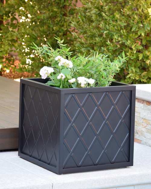 "Lattice 24"" Square Planter Box"