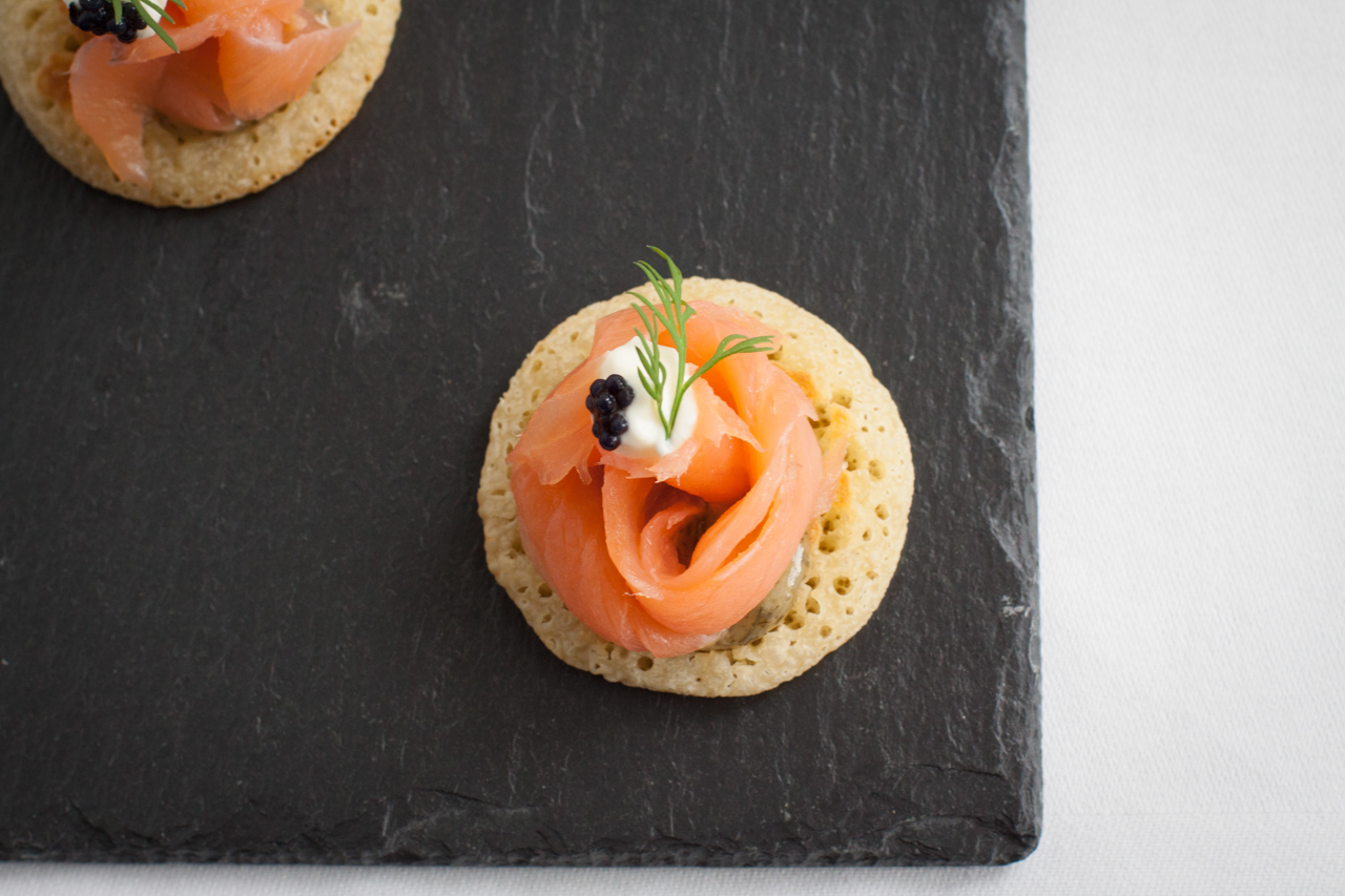 ardtaraig-smoked-salmon-blinis-with-caviar-and-dill-mustard-sauce-2-corner.jpg