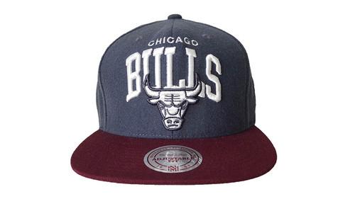 Mitchell & Ness Chicago Bulls Grey Red Felt Snapback