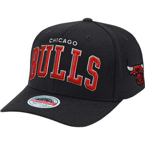 Chicago bulls iconic hat