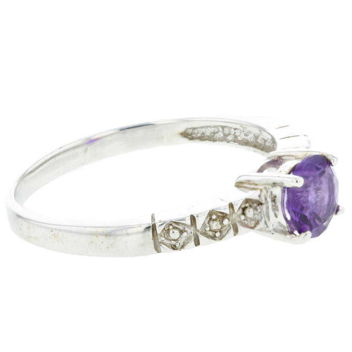 Flashy Amethyst Solitaire Silver Ring