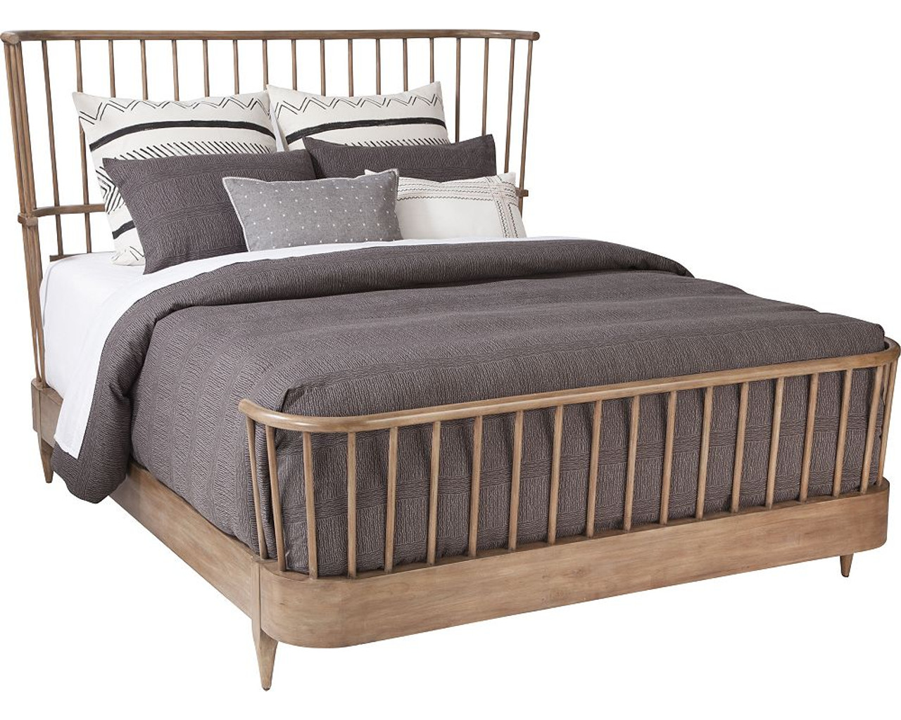 Charmant Cordell Spindle Bed