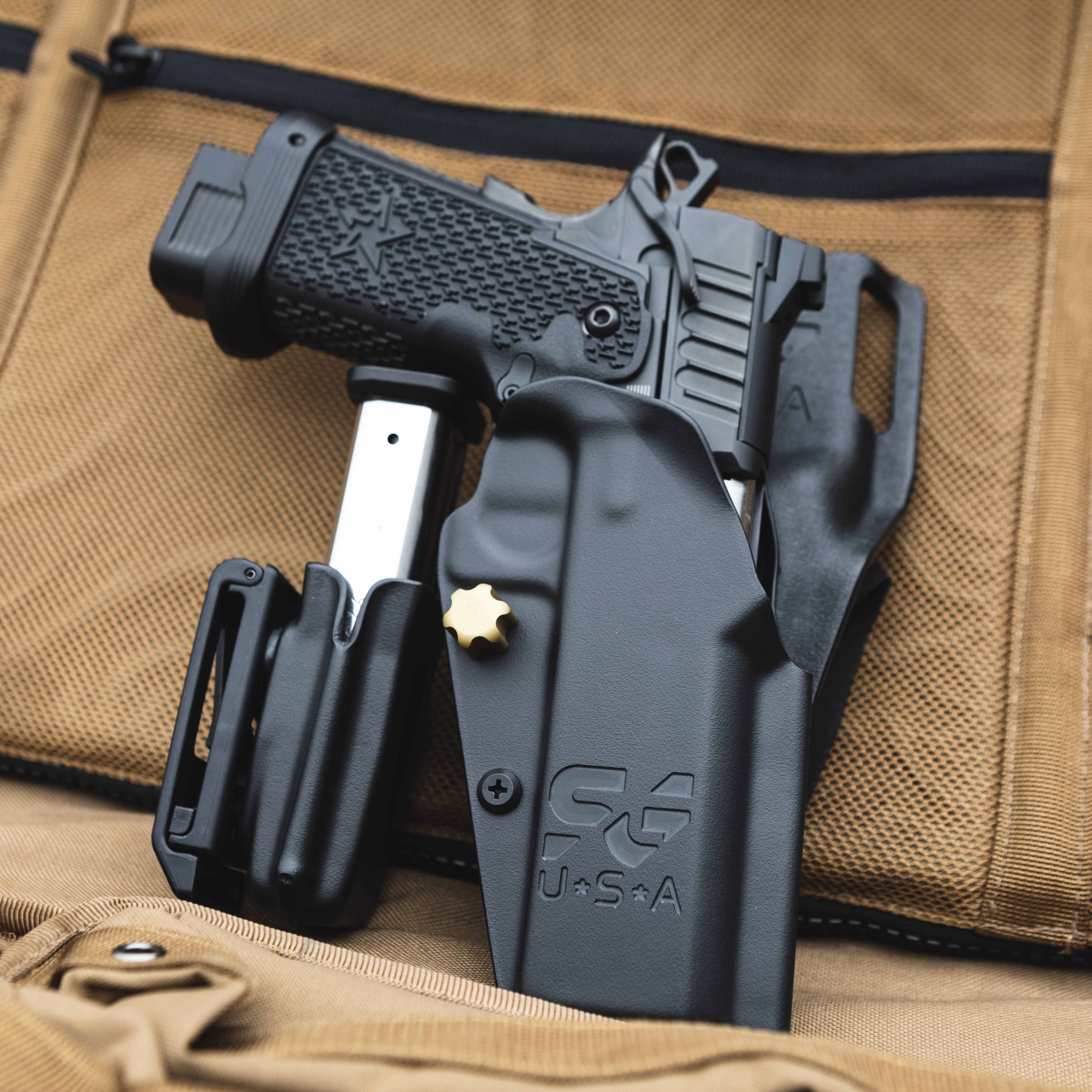 stealthgearusa-sg-x-competion-holster-and-mag-carrier-staccato-2011.jpg