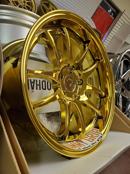 Aodhan DS02 18x9.5 5x114.3 +30 73.1 Gold Vacuum