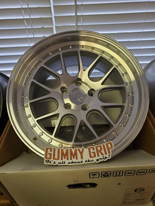 Aodhan DS06 18x9.5 5x114.3 +30 Silver w/ Machined Face