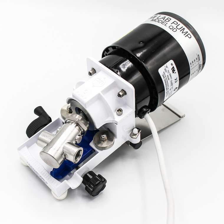 Ideal for general lab and industrial use,  the QD-Q2CSY Pump features the Q2 Piston delivering up to 1242 ml/min at 3.4 bar max pressure.