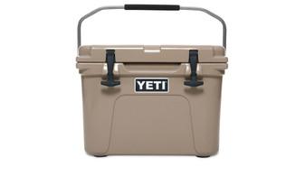 Yeti Roadie 20 Cooler - Tan front handle up
