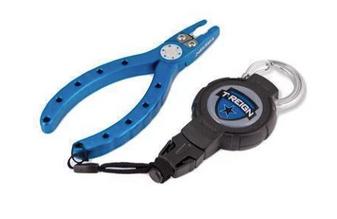 "6"" Fishing Pliers & Medium Retractable Gear Tether Carabiner"