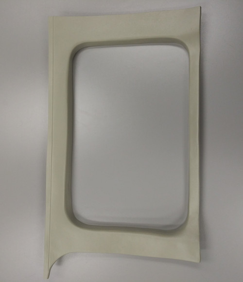 P1200535-8, MOULDING SIDE WINDOW RH, Cessna 210, 1200535-8