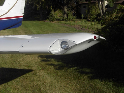 Piper PA-32 Wing Tips with Landing Lights. RD-4000