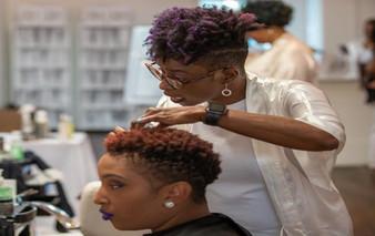 DE PRO: I'm A Hairstylist...I Need A Change